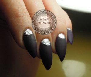 Черный матовый маникюр с серебром
